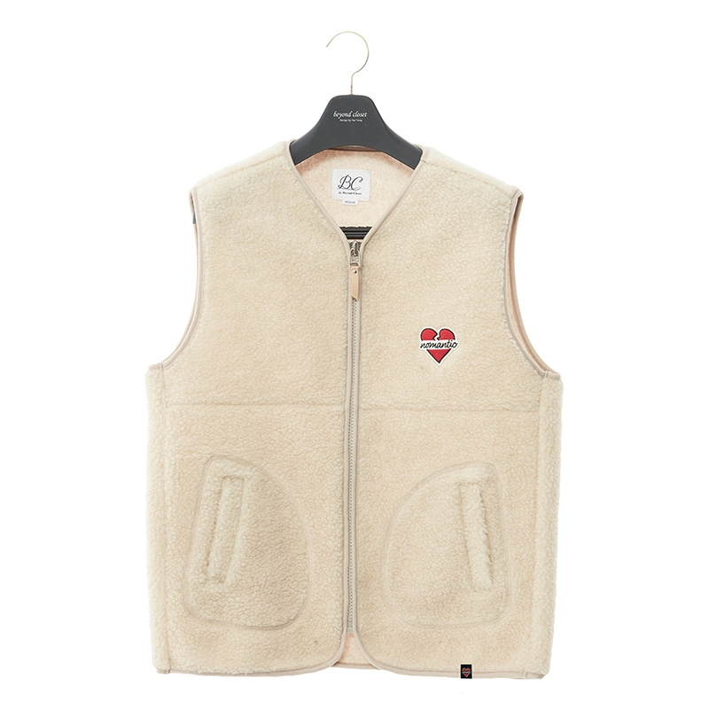 NOMANTIC WAPPEN LOGO ECO-FUR VEST ZIP-UP IVORY